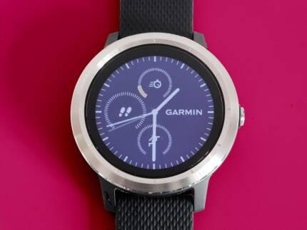 Garmin Vivoactive 3 Exercise Smart Watch Extra Sports Band