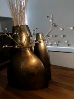 3 x gold vases