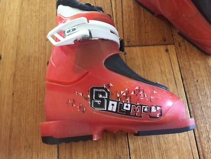 Kids Salomon ski boots