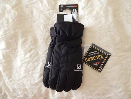 Salomon ski gloves, mens size large, Gore-tex, brand new