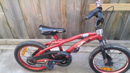 Hotwheels boys bike