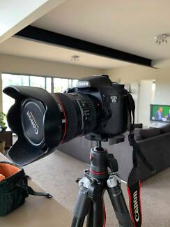 Canon EOS 7D w/ 24-105mm L, 10-22mm and acc