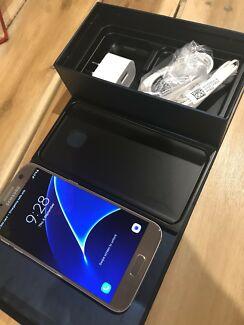 Samsung Galaxy S7 silver 32 Gb not a single mark or scratch