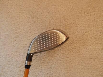 Cleveland Launcher 3-wood, 13*, stiff graphite shaft