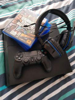 PS4 with games &amp headset
