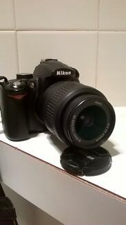 Nikon D5000 urgent sale