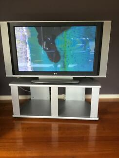LG plasma 42 inch and stand
