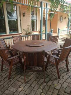 Outdoor Furniture, Excellent Condition